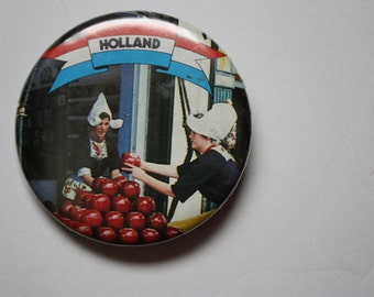 Holland Vintage PinBack - Holland Cheese - holland Souvenir - Netherlands souvenir