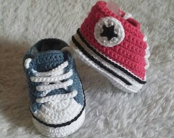 Converse style shoes crochet, crochet baby shoes, converse crochet, baby shoes, baby footwear, newborn shoes, crochet, crochet