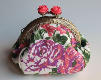 Kiss Lock Purse, Vintage Purse, Vermilion Roses, Coin Pouch, Womens Wallet, classy elegant Purse, Small change Pouch, Small gift, Coin bag
