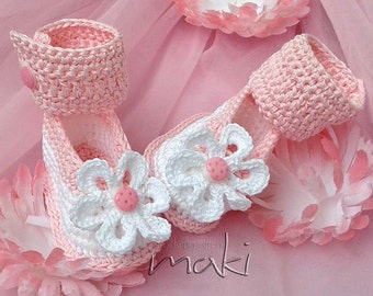 Pink ladybug baby booties crochet pattern - Perfect for your little princess. Full of large pictures! PDF Pattern No. 111
