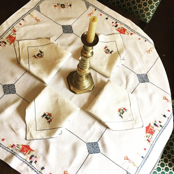 Vintage Mid-Century Table Linen Set - Asian Style Card Table Tablecloth with Four Matching Napkins