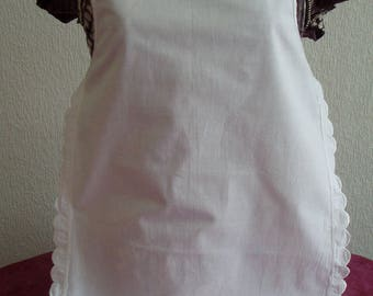 Beautiful vintage scalloped waitress apron