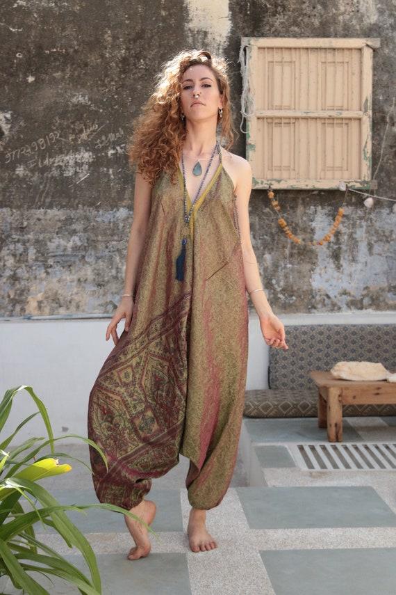 IRIDESCENT GREEN JUMPSUIT - Summer - Two tone - Rainbow - Wedding - Vintage Style - Festival - Hippie - Halter neck - Couture - Bohemian