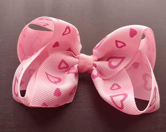 Pink Valentine's Day bow. Pink hearts bow. Valentine's Day bow. Bow. Girls Valentine's Day bow. Toddler Valentine's Day bow. Photography pro