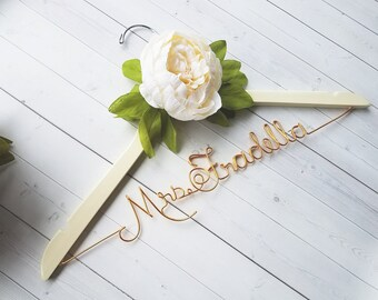Wedding Dress Hanger With White Peony - Personalized Hanger - Custom Hanger - Bride Hanger - Bridal Hanger - Bride Gift - Bridal Shower Gift