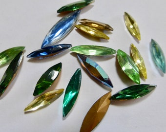 Vintage Mixed Navette Glass Jewels (18)