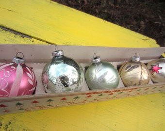 Vintage Box of Shiny Brite Decorated Glass Ball Christmas Tree Ornaments