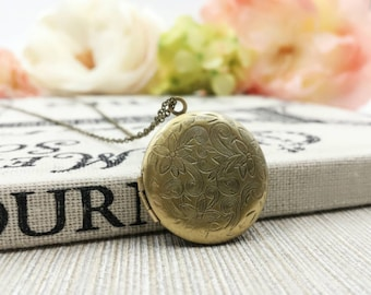 Floral Locket Necklace, Gold Locket Picture, Gold Locket Necklace, Vintage Gold Brass Locket, Flower Locket Necklace,Gift For Her