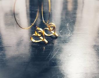 Dangle heart earrings - Wire wrapped earrings - Gold and purple