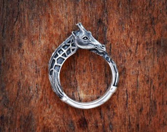 Giraffe ring Giraffe jewelry Animal ring African animal jewelry Safari jewelry Silver giraffe Totem ring Enamel silver ring