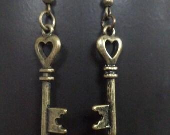 Key earrings/  Heart Skeleton Key Antique Gold earrings/ heart key earrings/