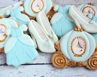 Cinderella Birthday Cookies, Cinderella Wedding, Cinderella Party, Cinderella Carriage, Glass slipper, Cinderella favors, Decorated Cookies
