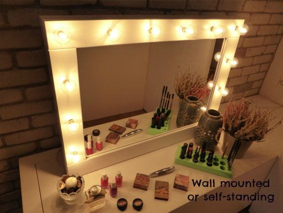 Make up mirror with lights vanity mirror many colours make up mirror with lights vanity mirror many colours wall hanging or self standing hollywood style mirror miroire maquilleuse mozeypictures Choice Image