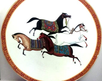 Porcelain Plate Ø 25.5 decor horses (small imperfection of decorum on the edge)