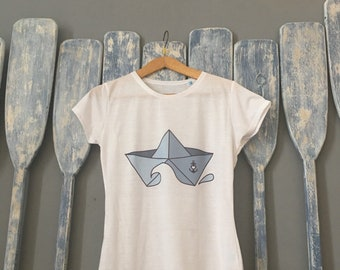 T-shirt with boat in direct print