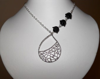 Tear drop pendant Necklace, statement necklace, lariat, free shipping, gift