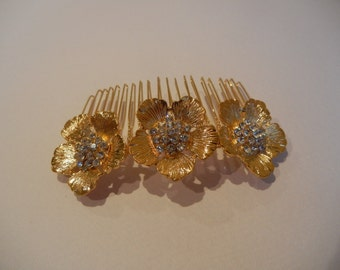 Gold Hair Comb, Bridal Hair Comb, Rhinestone Hair Comb, Flower Hair Comb, Bridal Hair Accessory, Bridal Headpiece, Bridal Hairpiece.