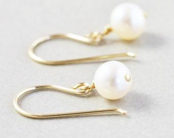 White Pearl Dangle Earrings, Pearl Drop Earrings, June Birthstone, Bridemaid Earrings
