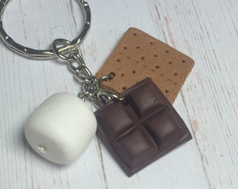 S'more keychain, miniature food jewelry, smore keychain, smore jewelry, food jewellery, polymer clay food charms, smore pendant, chocolate