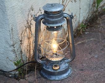 Electric Lantern Table Lamp, RUSTY CORRODED Metal Antiqued, Electric  Hurricane Lantern, Night Light