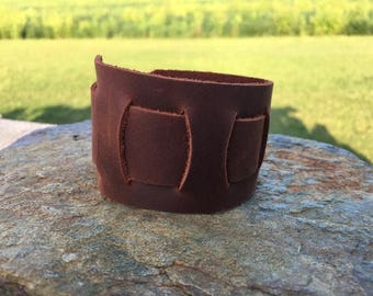 No Hardware leather cuff
