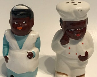 Vintage chefs Salt and pepper shaker set