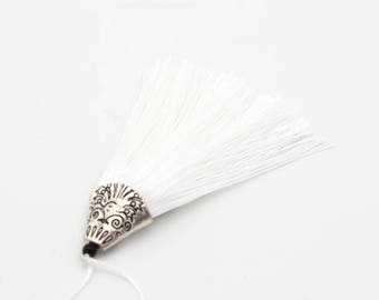 White tassel with Silver Cup 8 cm