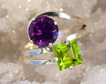Color - Peridot and Amethyst gemstone ring