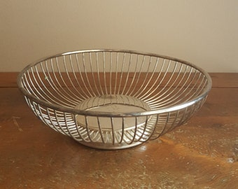 Vintage Wire Basket, Kitchen Decor, Platter,Plate,Fruit Basket,Bread Basket,Silver Platter,Metal Basket,Metal Wire,Circle Wire Basket, Dine