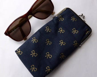 Glasses case, sunglasses case, protective case, clasp case, eyewear case, glasses pouch, handbag accessory, fabric purse, glasses purse