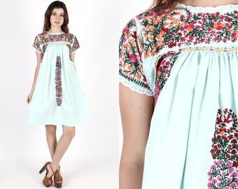 Oaxacan Dress Mexican Dress Fiesta Dress Bridesmaids Dress Cinco De Mayo Vintage 70s Mint Floral Hand Embroidered Ethnic Boho Mini Dress