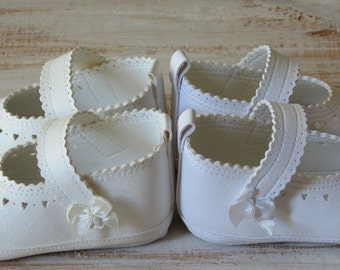 Baptism shoes White girl shoes Baby gril shoes Handmade baby shoes Leather baby booties Newborn baby shoes Christening shoes Baby girl shoes