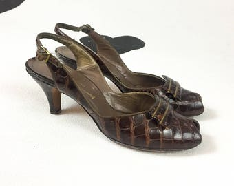 40's alligator embossed slingback pumps 1940's brown leather classic open toe big buckle kitten heels shoes / Marshall Field / size 8 N