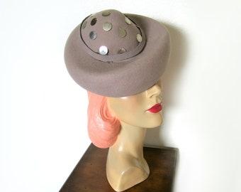 Vintage 1940's Gray Wool Tilt Topper Pixie Hat~