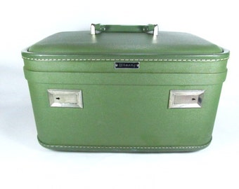 Vintage Green Train Case, Vintage Luggage,Travel Case, Overnight Bag, Retro Green Train Case