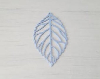 Blue filigree openwork leaf print