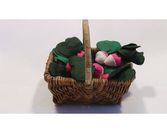Radishes in felt to play the Dinette