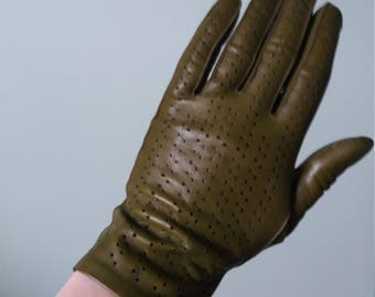 Olive green, Ladies leather driving gloves 1940s/1950s style.