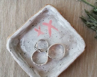 Small rustic handmade serving dish, jewellery/ring dish, stoneware clay, lavafleck clay, speckled pottery,