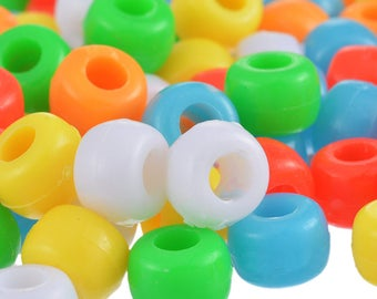 Pack of 100 Cute Assorted Plain Plastic Pony Beads. 7mm Diameter. 5mm length. Perfect for Art, Crafts, Macrame, Weaving & Jewellery Making
