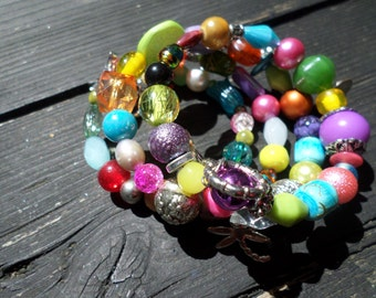 Multicolor Boho bracelet with memorywire