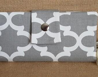Womens Wallet, Fabric Wallet, Women's Bifold Wallet,  Quatrefoil In Grey