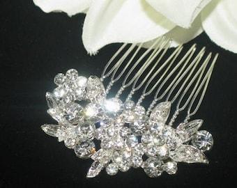 Swarovski crystal bridal comb, wedding veil comb, bridal comb, crystal hair comb, wedding hair comb, bridal hair clip, wedding comb