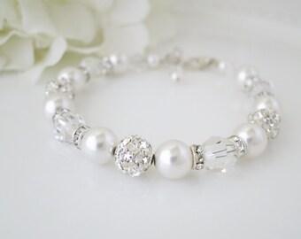 Beaded bracelet wedding, Pearl wedding bracelet, Swarovski crystal and pearl bridal bracelet, Rhinestone and pearl jewelry