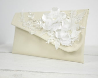 Ivory bridal purse | Ivory flower wedding clutch