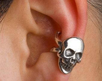 Skull Ear Cuff Silver Skull And Crossbone Ear Cuff Skull Jewelry Skull Earring Silver Skull Gothic Ear Cuff Non Pierced Earring Biker Skull