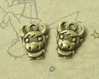 20pcs Antique Bronze Cow Charms Calf Charms OX Cattle Charms Double Sided 12x15mm MM747