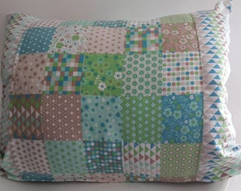 Cushion cover 50 x 40 cm triangles and geometric patterns