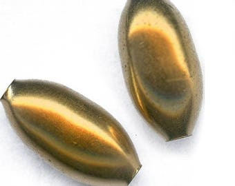 Vintage smooth brass oval beads 17x8mm pkg of 4. b18-0255