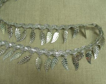 Ribbon of leaves with silver lurex